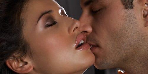 к чему снится знакомство с парнем и поцелуй с ним
