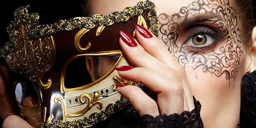примерять маску