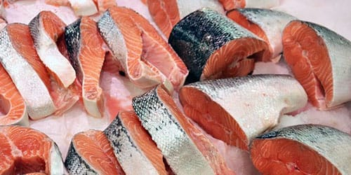 кушать сырую рыбу