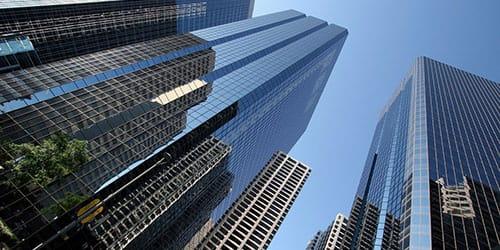 очень высокое здание