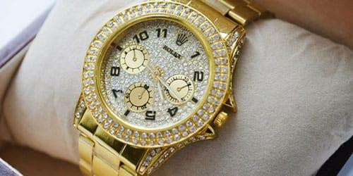 Золотые часы в подарок во сне купить часы в спб наручные swatch