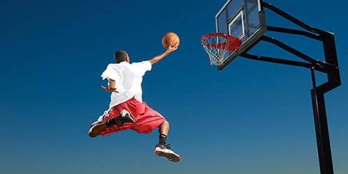 играть в баскетбол во сне