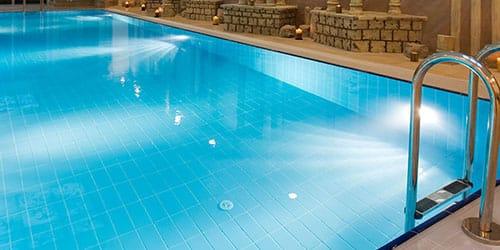 бассейн с чистой водой во сне