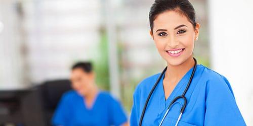 молоденькая медсестра