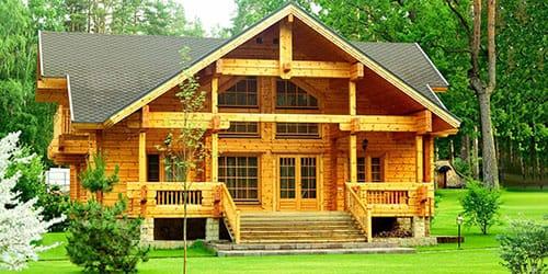 покупать деревянный дом