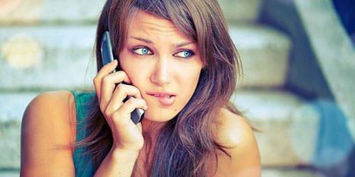 разговаривать по телефону с любимым парнем