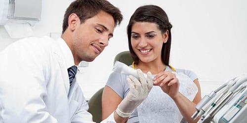 стоматолог советует зубную пасту