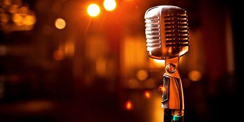 к чему снится известный певец