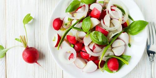 кушать салат из редиски