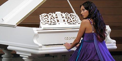 играть на рояле