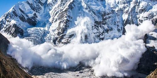 наблюдать за снежной лавиной во сне