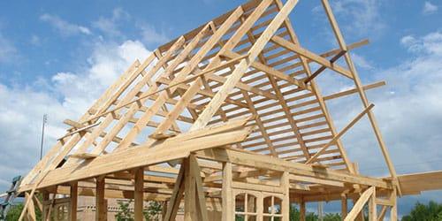 строить деревянный домик