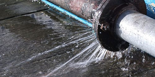 протекающий водопровод