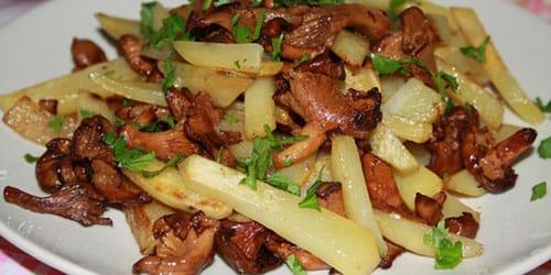 кушать жареную картошку