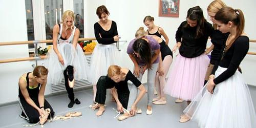 заниматься балетом