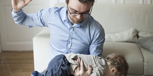 бить ребенка по жопе во сне