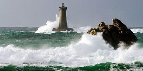 к чему снится бушующее море