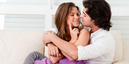 обниматься с покойным мужем