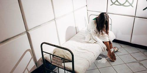 Попасть во сне в психбольницу