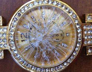 Разбитые наручные часы