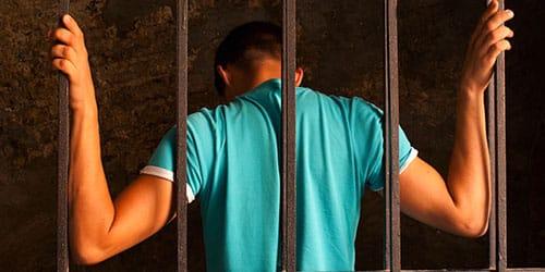 к чему снится самому сесть в тюрьму