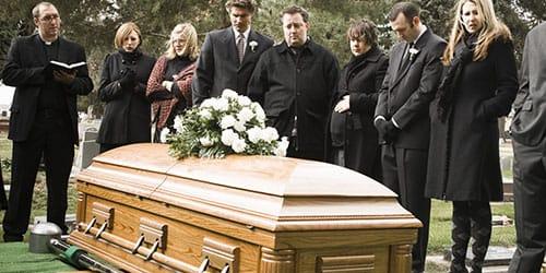 видеть свои похороны