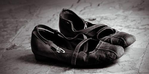 выбросить старую обувь