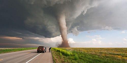 торнадо несется прямо на вас