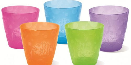 пять одинаковых стаканчиков