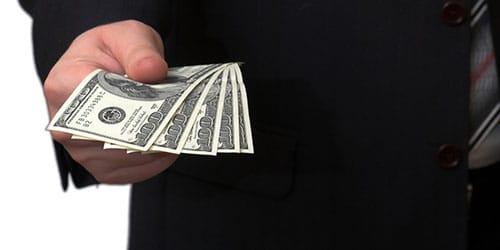 занимать денежку