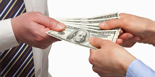 к чему снится давать бумажные деньги в долг