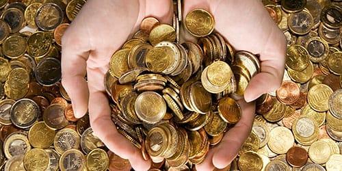 давать в долг золотые монеты