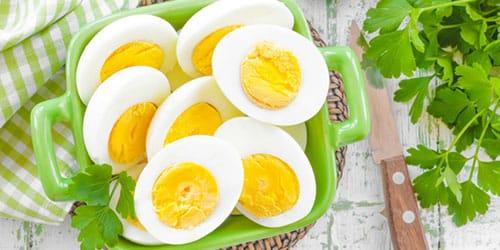 вареные куриные яйца