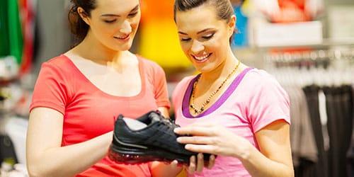 искать обувь в магазине
