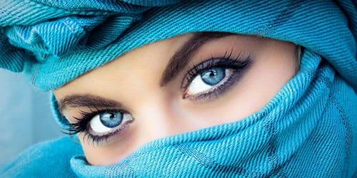 красивые голубые глаза