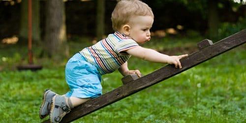 ребенок упал с лестницы
