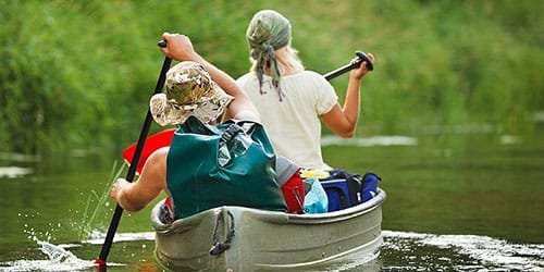 плыть по реке на лодке во сне