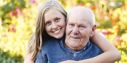 обнимать дедулю