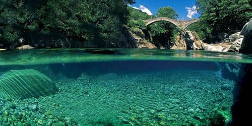 река с чистой водой во сне