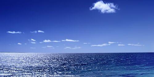 спокойное синее море