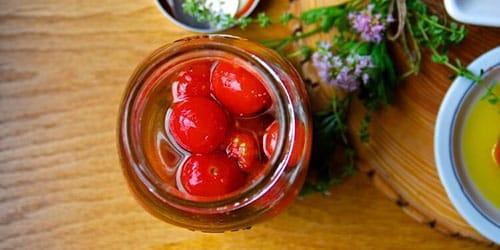 кушать соленые помидоры