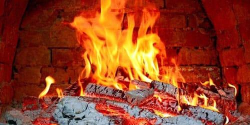 дрова в печи