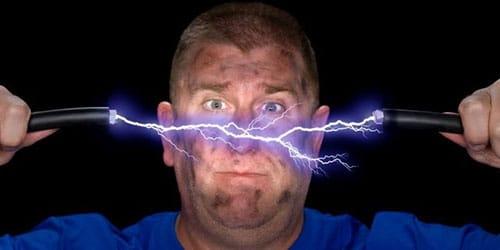 удар электричеством