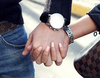 Взять за руку