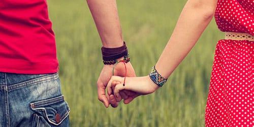 держаться за руки с любимым