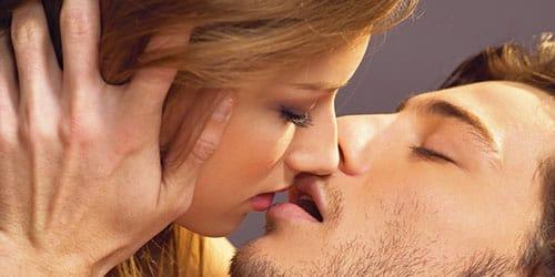 целоваться с парнем во сне