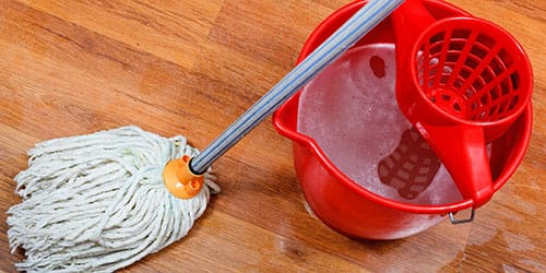 мыть линолеум в квартире