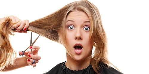 девушка у парикмахера