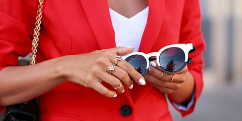 красный костюм