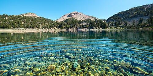 купаться в озере во сне